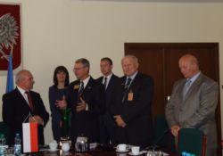 od lewej minister Kalemba, prof. Mazurkiewicz, prezes Kacperczyk, przewodniczący Sikora
